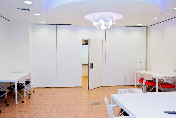 Photo Offices made with sliding partitions: NAYADA's project for Sberbank