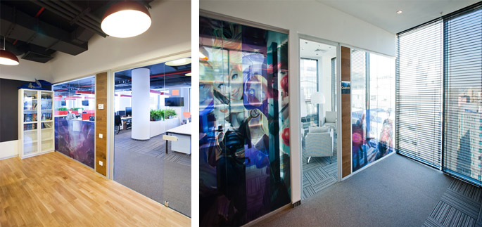 Photo NAYADA partitions, doors, and furniture in a game developer's office