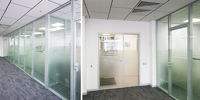 Photo The new NAYADA Intero-400 partitions system in the office of Medi