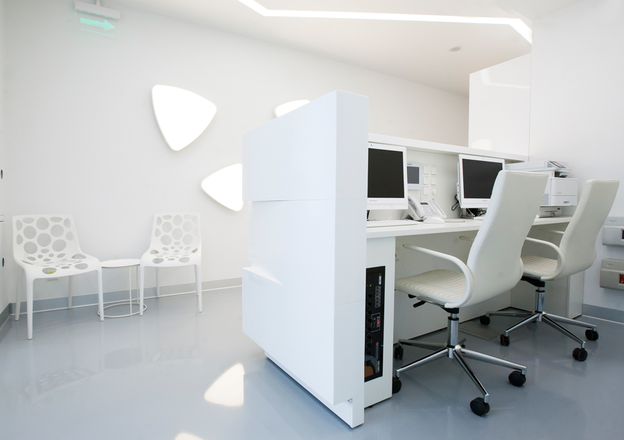 Photo Futuristic patterns and shiny accents: NAYADA for the dental center interior