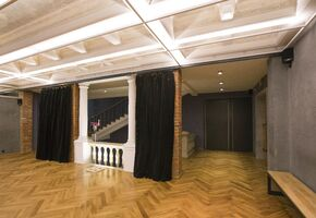 Deaf sliding partitions in project Theatre of Stanislavsky