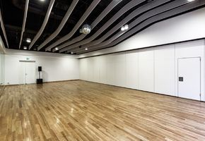 NAYADA SmartWall H5/H7 in project T-Dance Studio